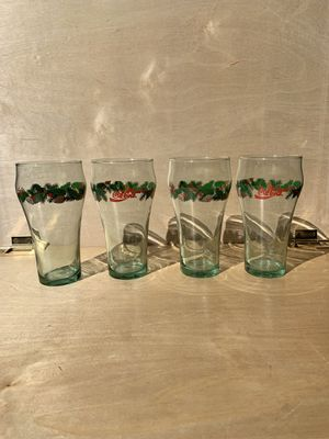 🎄 Christmas Hoilday ~ Coca Cola ~ Glass Set for Sale in Buckley, MI