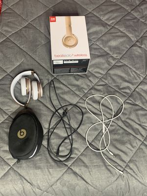 beats studio 3 wireless headphones for Sale in San Fernando, CA