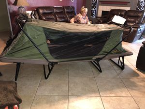 Cabelas single man tent cot for Sale in Peoria, AZ