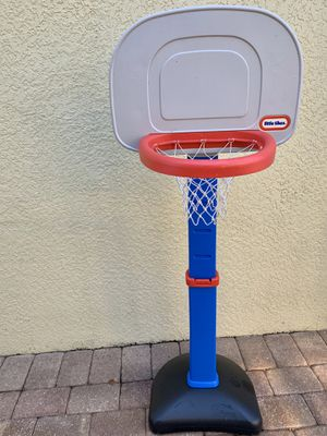 Little Tikes Adjustable Basketball Hoop for Sale in Lithia, FL