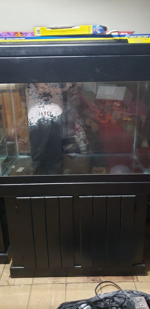 65gal fish tank for Sale in Myersville, MD