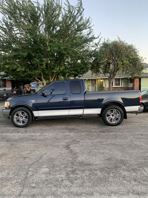 "F150 V8 *HID Lights / 6"" touchscreen for Sale in City of Industry, CA"