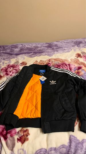 Brand new adidas medium jacket for Sale in Mendota Heights, MN