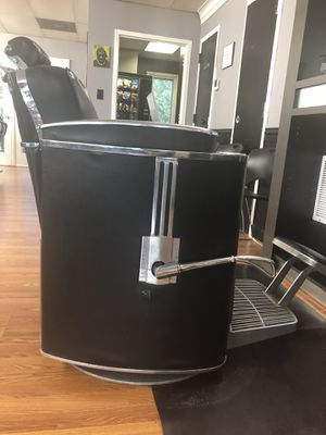 Belmont koken barber chair for Sale in Springfield, VA
