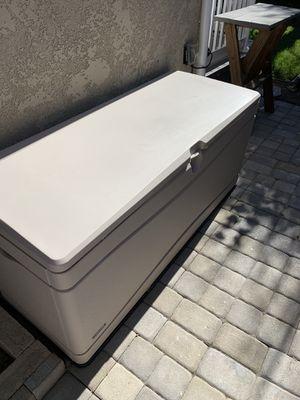 130 gallon storage box for Sale in Long Beach, CA