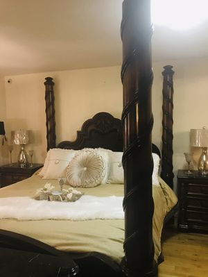 BEDROOM SET KING OR CAL KING MARBLE TOPS AND BENCH for Sale in Baldwin Park, CA