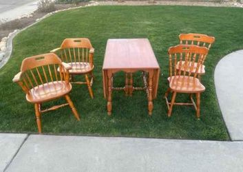 Dinning Table for Sale in Tulare, CA
