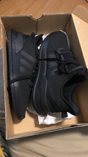 New men size 9 adidas for Sale in Silver Spring, MD