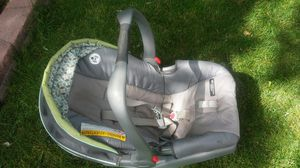 Graco Snugride Click Connect Baby Infant Newborn Car Seat w Base for Sale in Aurora, CO