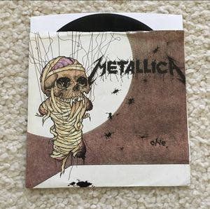 """Metallica """"One"""" vinyl 7"""" single 1988 Elektra Records nice clean copy for Sale in Placerville, CA"""
