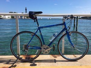 Specialized Sirrus comp a1 aluminum hybrid road bike for Sale in Deerfield Beach, FL