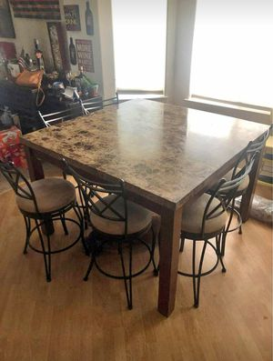 Dining table for Sale in Lodi, CA