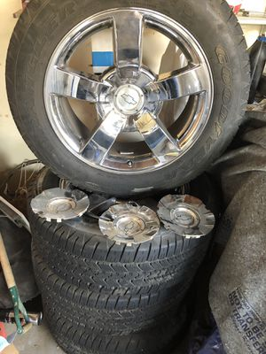 "20"" SS CHEVY RIMS for Sale in Fresno, CA"