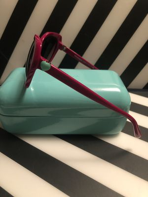 Sunglasses Tiffany for Sale in Newark, NJ