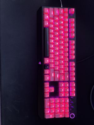 Razer BlackWidow Elite Mechanical Gaming Keyboard: Razer Greem Mechanical Switches - Tactile & Clicky -Chroma RGB Lighting - Magnetic Wrist Rest - D for Sale in Miami, FL