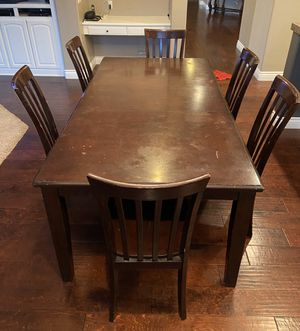 Kitchen dining table for Sale in Rancho Cucamonga, CA