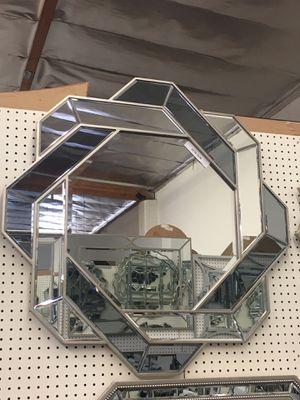 New wall mirror 32x 32 for Sale in Los Angeles, CA