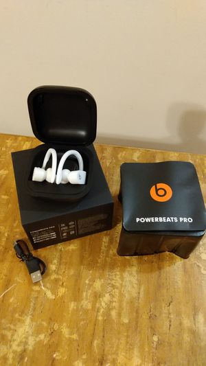 Open box power beats pro white for Sale in Memphis, TN