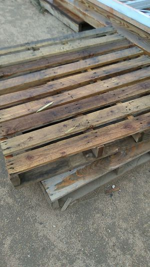 Good used pallets for Sale in Apple Valley, CA