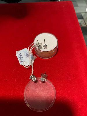 Diamond earring studs for Sale in Dallas, TX