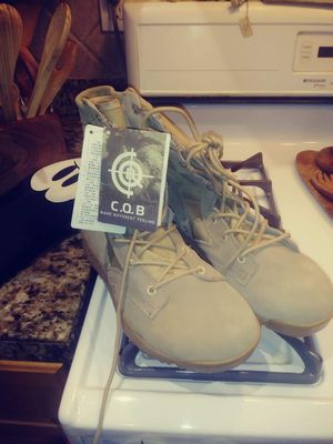 Brand new combat boots size 8.5 (no steeltoe) for Sale in San Diego, CA