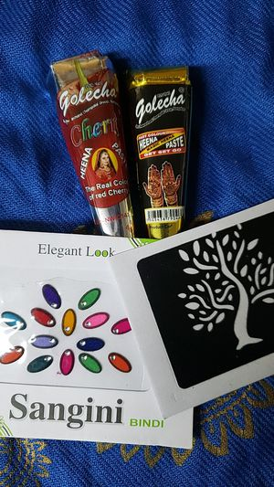 2 Henna Cones & 1 Bindi Pack for Sale in Parsippany, NJ