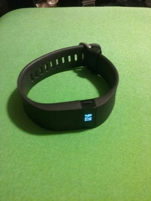 Fitbit charge HR for Sale in Hialeah, FL