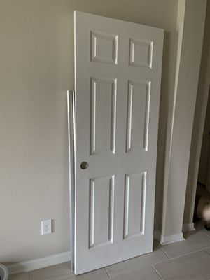 Free closet doors for Sale in MAGNOLIA SQUARE, FL