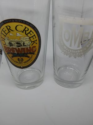 SET OF 2 BEER GLASSES for Sale in Simpsonville, SC