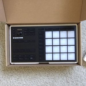 Maschine Mikro Mk3 (native instruments) for Sale in Chapel Hill, NC