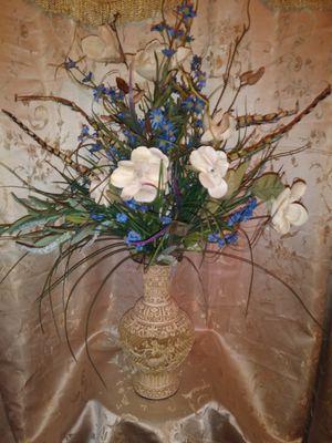Vase And Flower Arrangement for Sale in Virginia Beach, VA