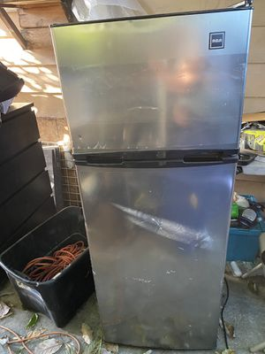 Refrigerador mediano RCA for Sale in South El Monte, CA