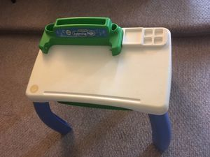 Leapfrog learning desk with removable legs for Sale in Queens, NY