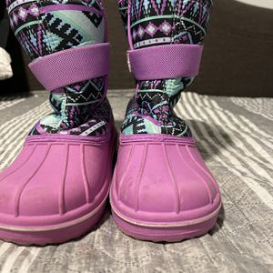 Girls Snow boots Size 4 for Sale in Norwalk, CA