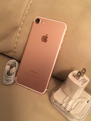 iPhone 7 just like NEW & FACTORY UNLOCKED for Sale in Springfield, VA