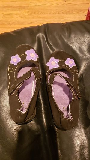 Toddler size 10 shoes black brand jumping beans for Sale in Warwick, RI