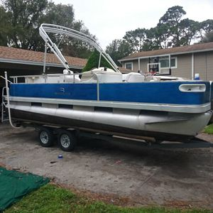 20' Bennington Pontoon Boat W/ 60hp yamaha motor and NEW trailer for Sale in Land O Lakes, FL