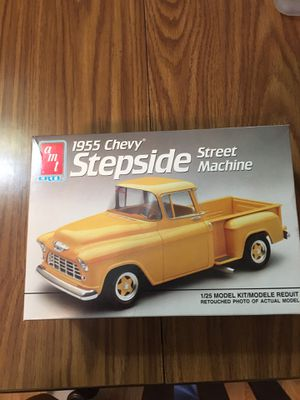 Amt 1991 Model Kit 1955 Chevy Stepside Street Machine Complete for Sale in Chicago, IL
