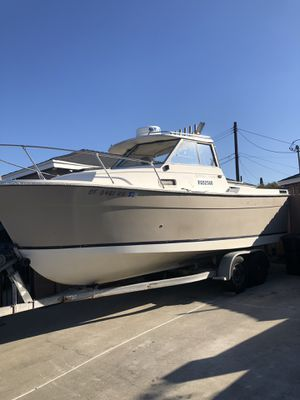 1984 Bayliner trophy 2060 fishing boat for Sale in Norwalk, CA