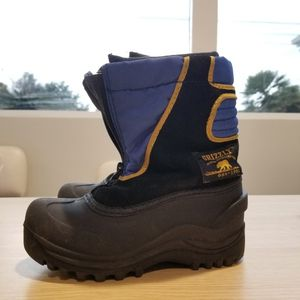 Kids Snow Boot Kids Size 12 for Sale in Arcadia, CA