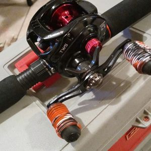 Daiwa TATULA Baitcaster With Gx2 Rod for Sale in Riverside, CA