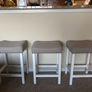 Bar stools- SMOKE AND PET FREE HOME for Sale in Orlando, FL