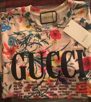 Gucci W/M flower print Shirt for Sale in Cincinnati, OH