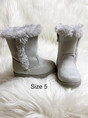 Toddler girls grey boots for Sale in Watertown, CT