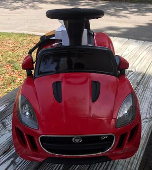 Power wheels, ride on toy, parents remote control kids electric car for Sale in Hallandale Beach, FL