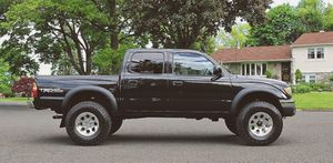 No mechanical 03 Toyota Tacoma for Sale in Arlington, TX