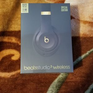 Beats Studio 3 Wireless / Brand New / Sealed for Sale in Brooklyn, NY