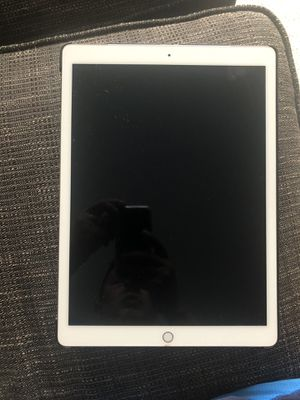 """iPad Pro 1st Generation 12.9"""" 256GB WiFi+Cellular for Sale in Los Angeles, CA"""