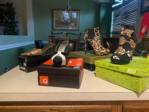 Guess, JohnFashion, Gianni Bini, Thalia sodi for Sale in DeSoto, TX