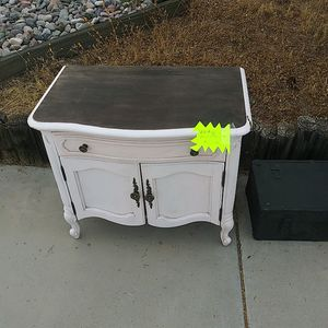 Antique pink nightstand for Sale in Mesa, AZ